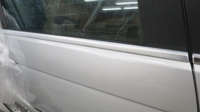 ガラスコーティング クリスタルコーティング カーコーティング ベンツ アウディ BMW モール磨き 大阪 東大阪 カービューティ・マジック