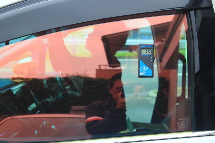 ゴースト フィルム施工 遮熱フィルム カーフィルム 反射フィルム ファンキーゴースト 東大阪 カービューティ・マジック